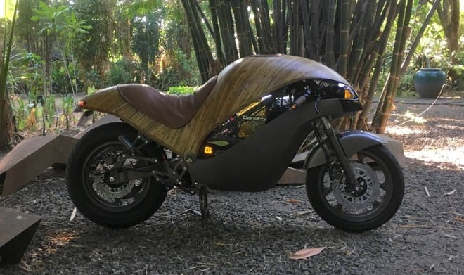 On Philippines have constructed a bamboo electrobike of Green Falcon