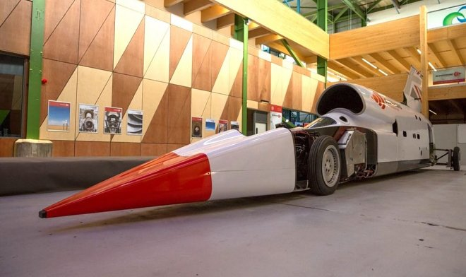 The supersonic Bloodhound LSR car aimed at a new record in 2020