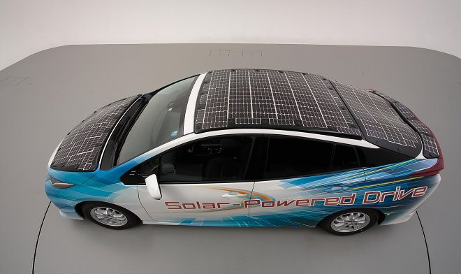 Toyota experiments with solar batteries on a roof of cars