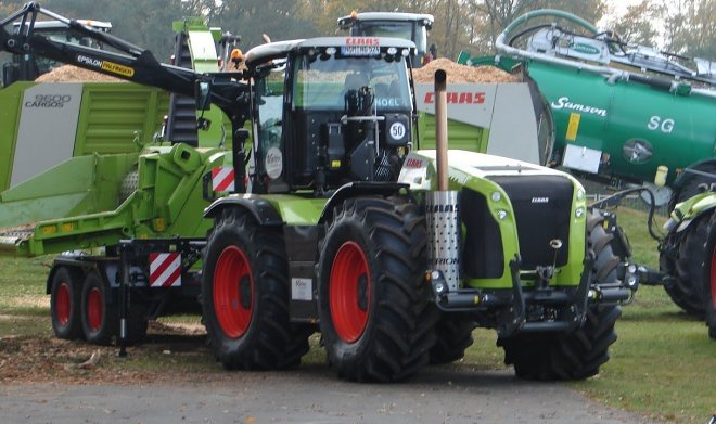 The Claas Xerion tractor set a record for the Nurburgring track